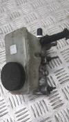 Цилиндр тормозной главный Mazda 323 F Артикул 52765448 - Фото #1