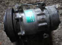 Компрессор кондиционера Renault Safrane Артикул 51517905 - Фото #1